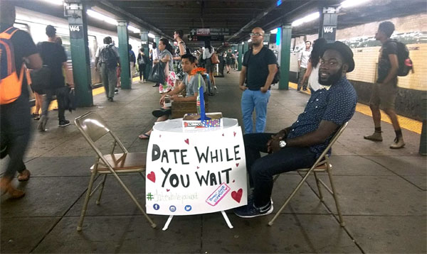 Date while you wait - Thomas Knox